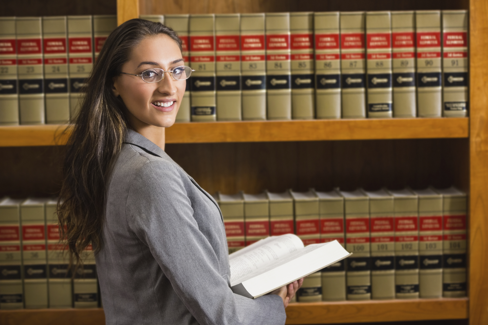 how to become a legal assistant in alberta